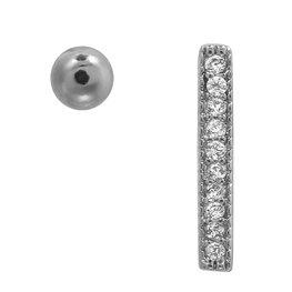 Oorbellen in 2 verschillende vormen: bolletje en bar met kleine steentjes